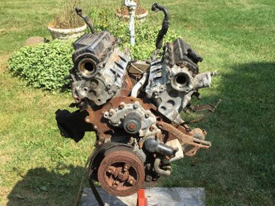 93_toyota_old_engine_disassembled